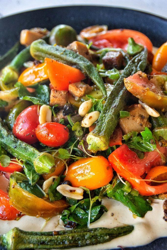 סלט עגבניות טבעוני