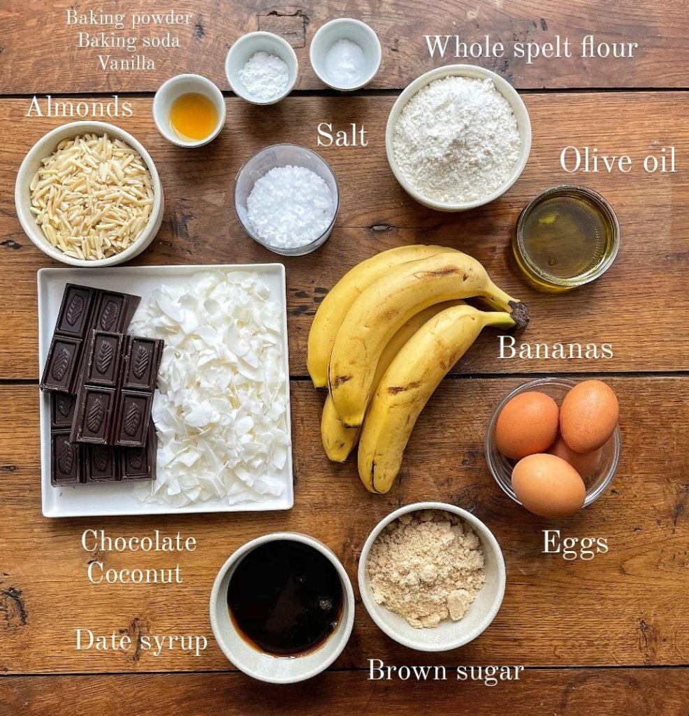 עוגת בננות, שוקולד ושקדים מקמח כוסמין מלא