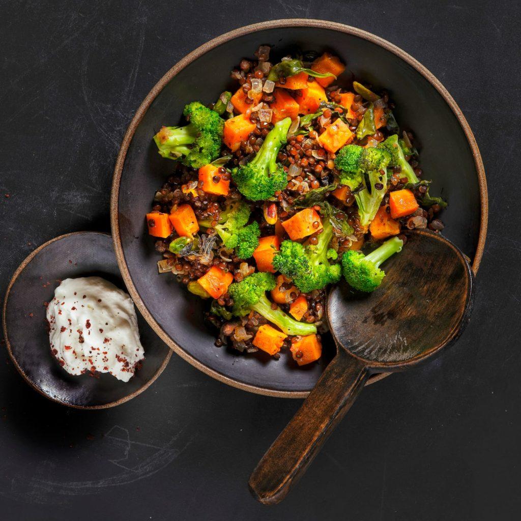 ירקות ועדשים בתנור